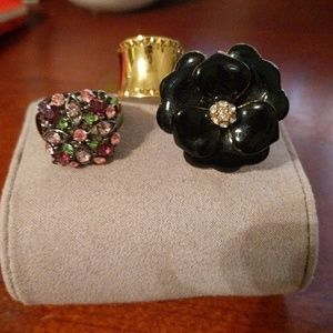 Set of three cocktail rings. Size 6 to 8